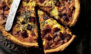 Membrillo and stilton quiche